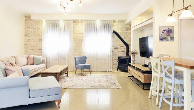 הסלון של דפנה